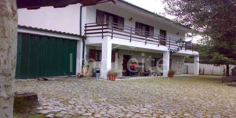 Moradia T4 Vieira do Minho Guilhofrei Lote 800 m2