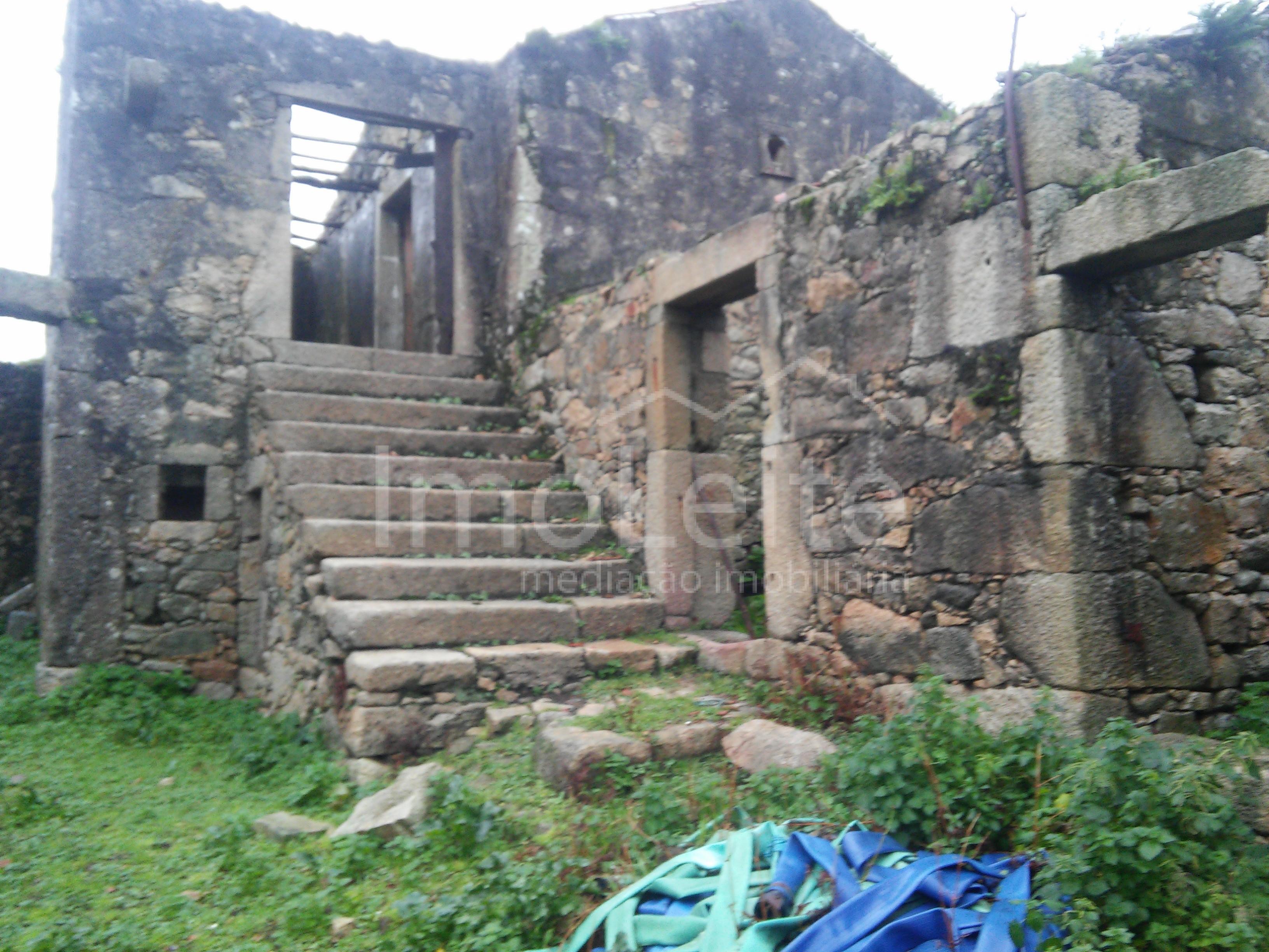 Quintinha Vila do Conde Touguinhó em pedra para restauro
