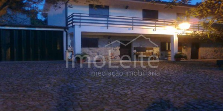 Moradia t4 em Guilhofrei Vieira do Minho com lote de 800 m2