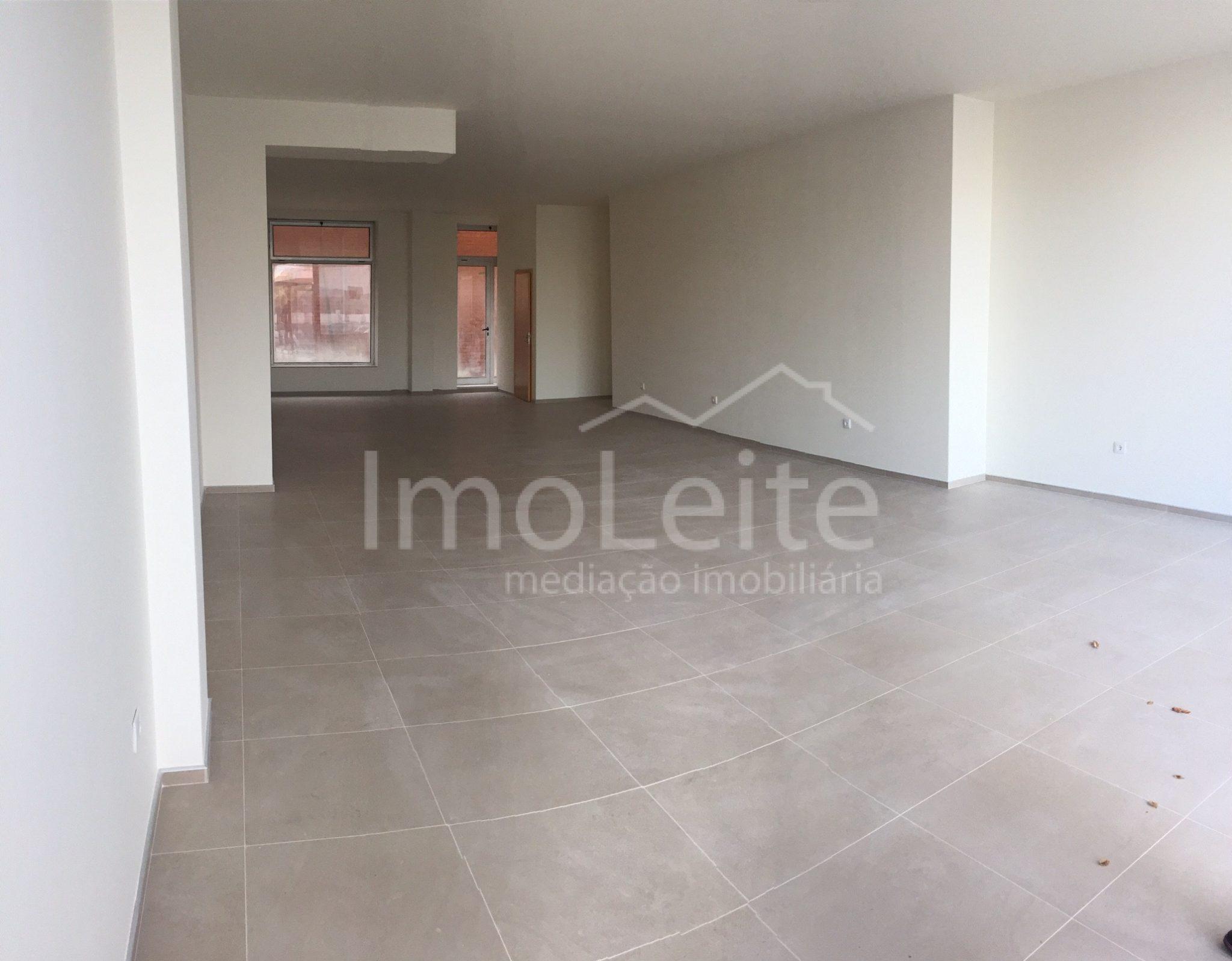 Loja Póvoa de Varzim nova próxima ao centro com 100 m2
