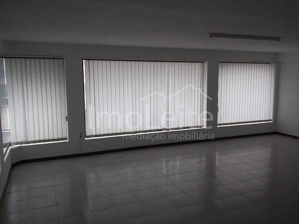 Loja com 70 m2 Póvoa de Varzim junto Metro
