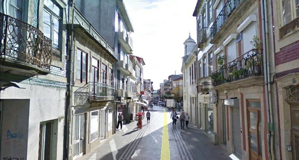 Loja Rua da Junqueira com 180 m2 Póvoa de Varzim