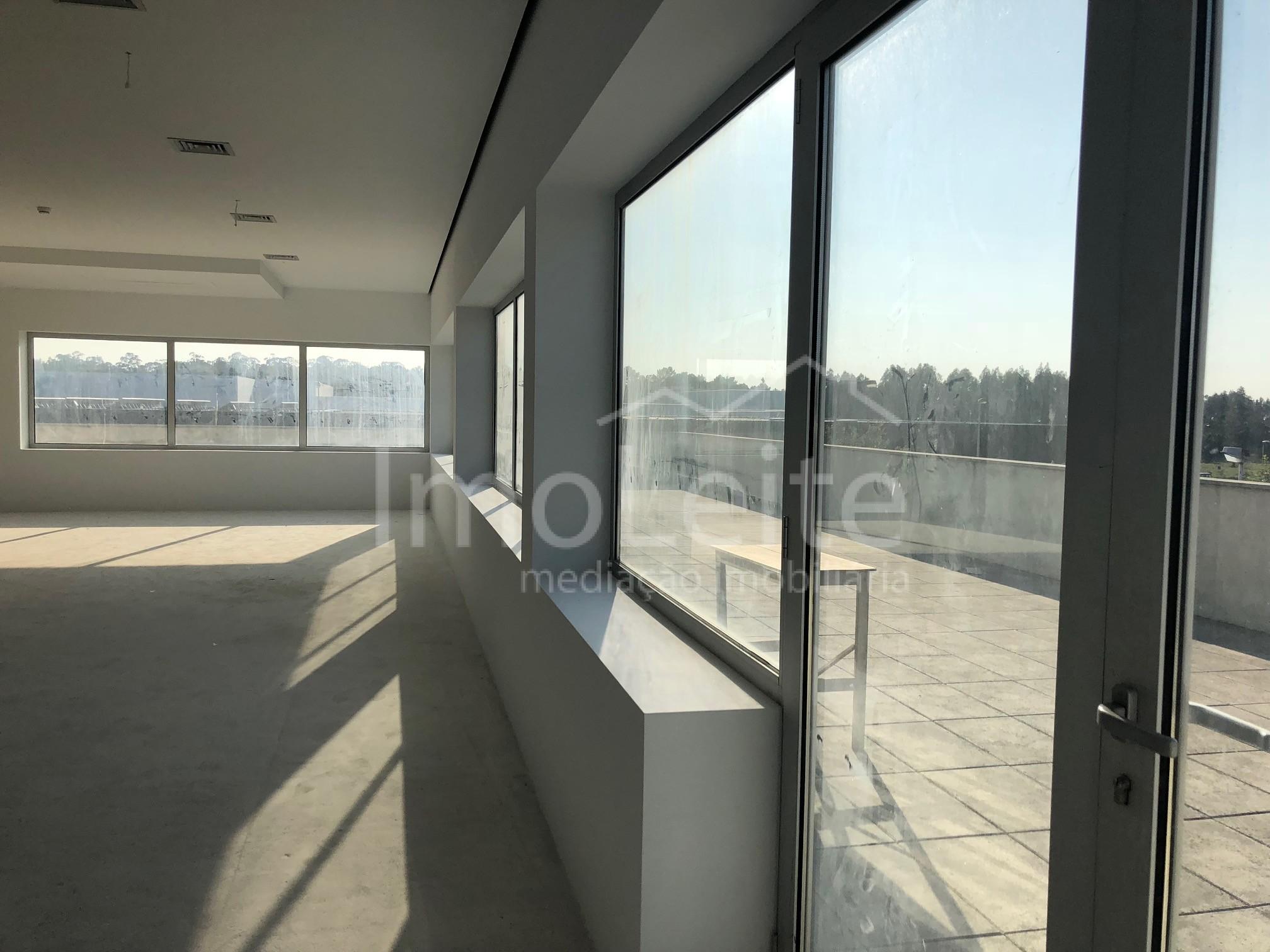 Escritório Vila do Conde Varziela 1000 m2