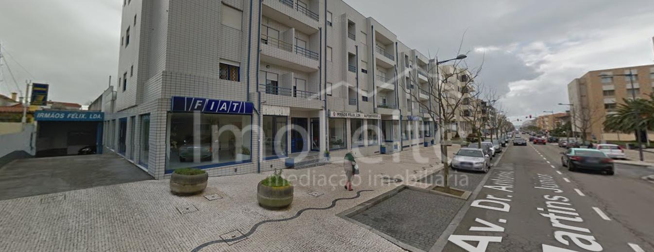 Loja Vila do Conde Imóvel de Banco 2000 m2