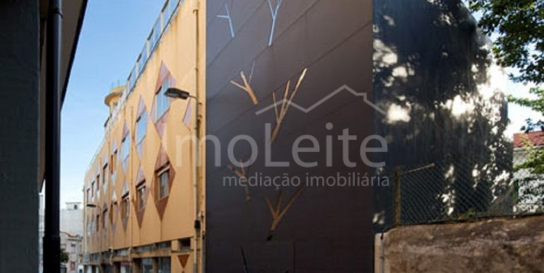 dezeen_Frei-Sebastiao-House-by-Arsonio-Fernandez_17