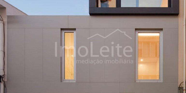 dezeen_Frei-Sebastiao-House-by-Arsonio-Fernandez_3