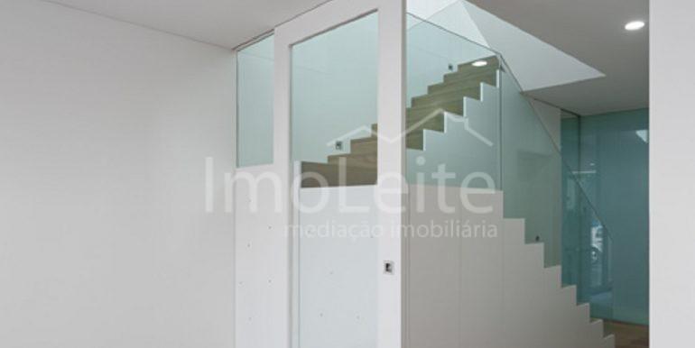 dezeen_Frei-Sebastiao-House-by-Arsonio-Fernandez_8
